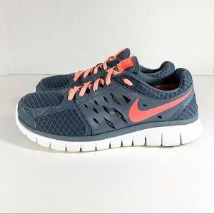 Nike • Women's Flex Run